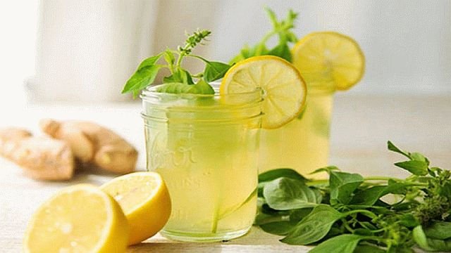 Напиток из имбиря и лимона с травами