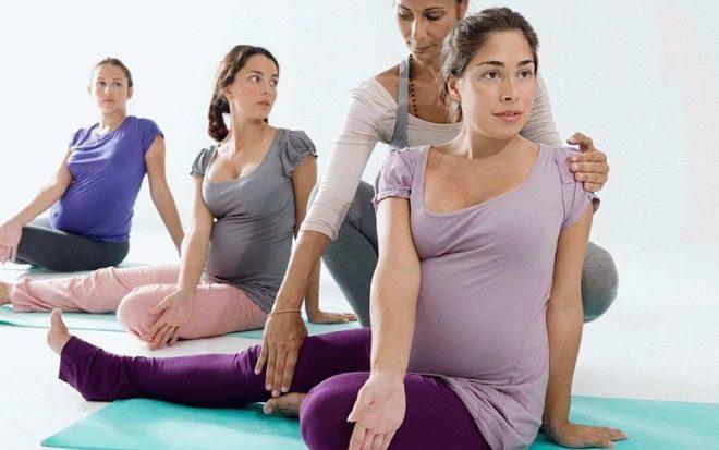 Занятия гимнастикой у беременных