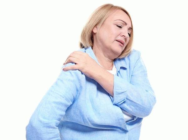 у женщины болит плечо