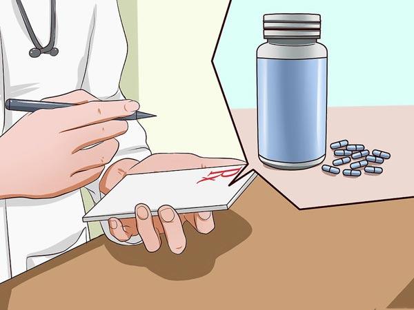 назначает таблетки