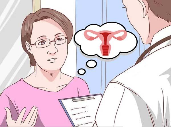 спрашивает у врача